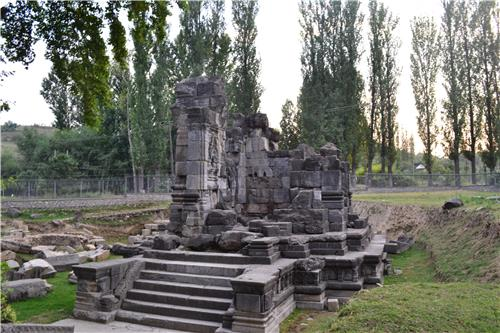 Ruins of Sugandesha Temple in Pattan destroyed by Shamsuddin Araqi